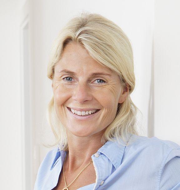 Dr. Renée Herfs